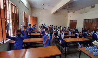 নোয়াখালীর শিক্ষা প্রতিষ্ঠানে প্রাণের উচ্ছ্বাস